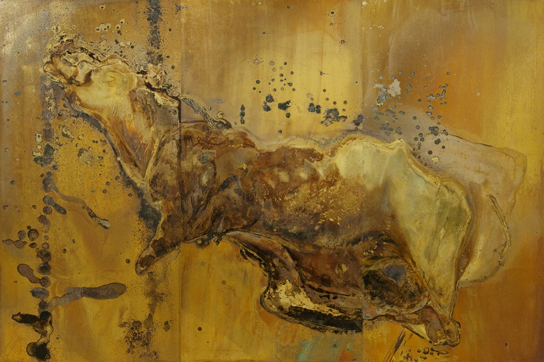 ELEGIA Messinki, kuolleen eläimen jäänteet Brass, original substances of a dead animal 200 x 300cm 2016